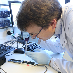 Matt Loose demonstrates using the 'Read Until' method with the Minion DNA sequencer